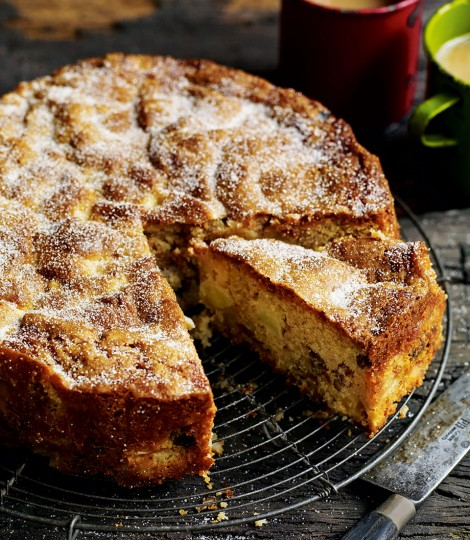 Chunky Apple, Raisin, Walnut & Cider Cake - courtesy Delidious