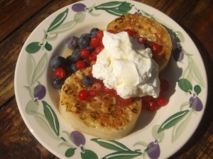 Pikelets with Berries